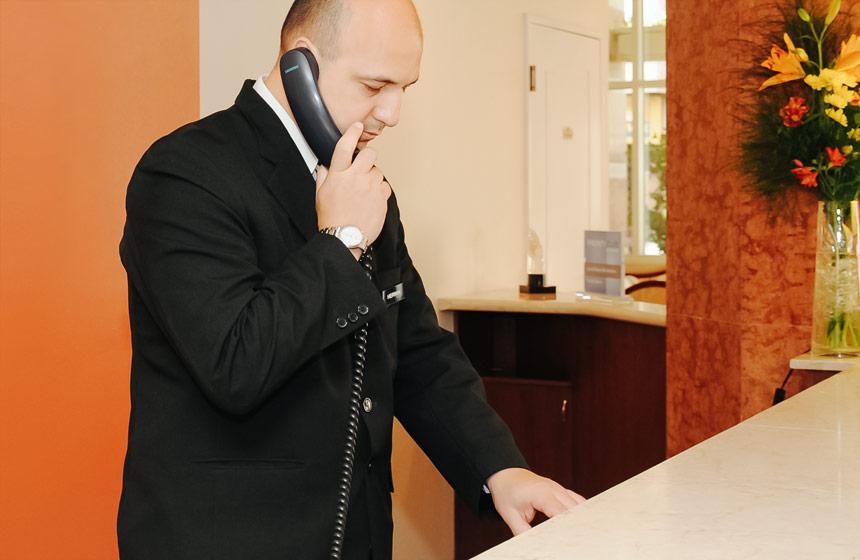Recepción InterTower Hotel Santa Fe