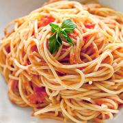Espaguetis con salsa mixta