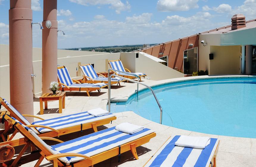 Piscina InterTower Hotel Santa Fe